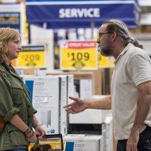 Io, Dio e Bin Laden: Nicolas Cage e Wendi McLendon-Covey in una scena del film