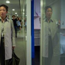 Killing Eve: Sandra Oh in una scena