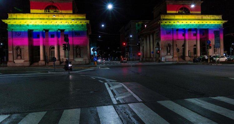 Netflix sponsor di milano pride 2018 l 39 arcobaleno a porta - Cinema porta venezia milano ...
