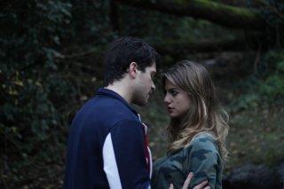 Tafanos: Cristina Marino e Alessio Lapice in una scena del film