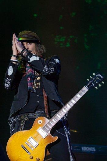 Johnny Depp durante il concerto di Lucca degli Hollywood Vampires