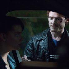 Amiche di sangue: Anya Taylor-Joy e Anton Yelchin in una scena del film