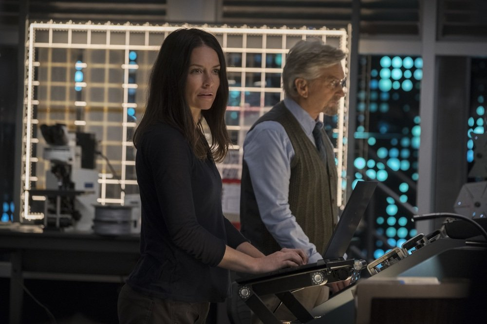 Ant Man And The Wasp Evangeline Lilly Michael Douglas