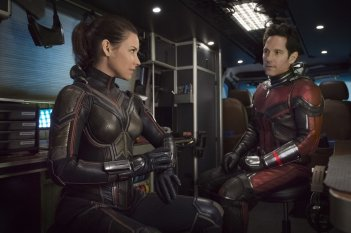 Ant-Man and the Wasp: Evangeline Lilly e Paul Rudd in una scena del film