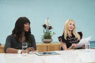 Come ti divento bella: Michelle Williams e Naomi Campbell in una scena del film