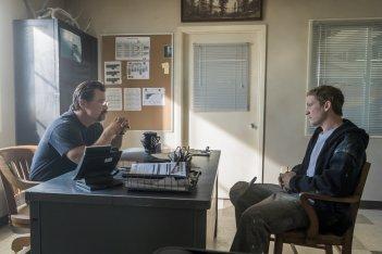Fire Squad - Incubo di fuoco: Josh Brolin e Miles Teller in una scena del film