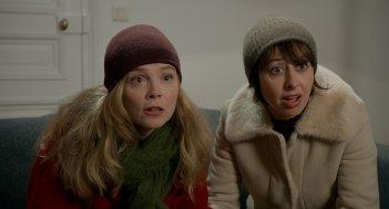 Un marito a metà: Valérie Bonneton e Isabelle Carré in una scena del film