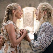 Mamma Mia! Ci risiamo: Meryl Streep e Amanda Seyfried in una scena del film