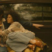 Blaze: Alia Shawkat e Ben Dickey in una scena