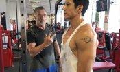 """Arnold Schwarzenegger, ecco la foto in cui """"allena"""" il nuovo Terminator"""