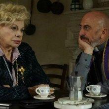 Un nemico che ti vuole bene: Sandra Milo e Roberto Ciufoli in una scena