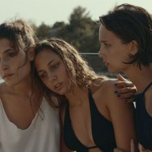 Likemeback: Denise Tantucci, Angela Fontana e Blu Yoshimi in una scena del film