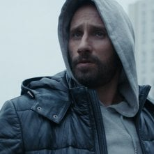 Close Enemies: Matthias Schoenaerts in una scena del film