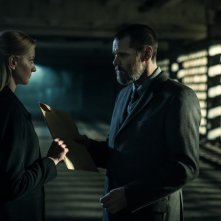 Dark Crimes: Jim Carrey ed Eleni Roussinou in una scena del film