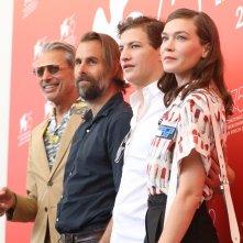 Venezia 2018: il cast al photocall di The Mountain