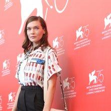 Venezia 2018: l'attrice Hannah Gross al photocall di The Mountain