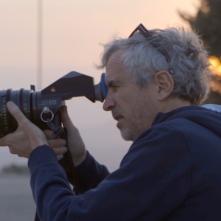 Roma: Alfonso Cuarón al lavoro sul set del film