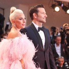 Venezia 2018: Lady Gaga e Bradley Cooper sul red carpet di A Star is Born