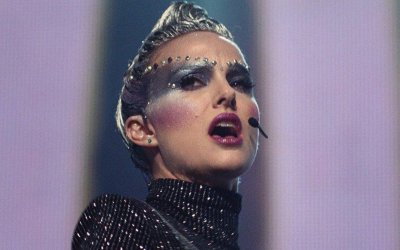 Recensione Vox Lux: la diabolica genesi di una pop star