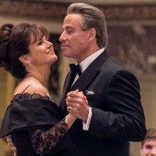 Gotti - Il primo padrino: John Travolta e Kelly Preston in una scena del film