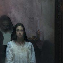 The Nun: Taissa Farmiga in una nuova foto