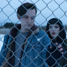 Sei ancora qui - I Still See You: Bella Thorne e Richard Harmon in un'immagine tratta dal film