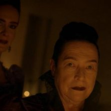 American Horror Story - Apocalypse: Kathy Bates e Sarah Paulson