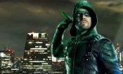"""Arrow, Stephen Amell anticipa il costume """"incredibile"""" che indosserà nel crossover"""
