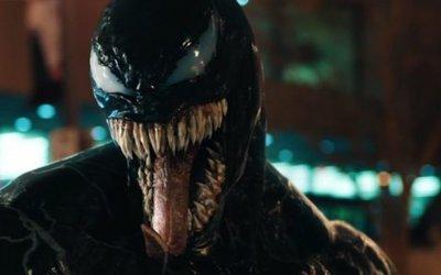 Recensione Venom: un cinecomic fuori tempo massimo
