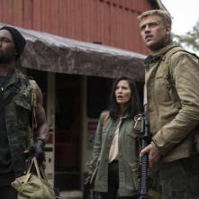 The Predator: Trevante Rhodes, Boyd Holbrook e Olivia Munn in una scena del film