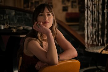 Bad Times at the El Royale: Dakota Johnson in una foto del film