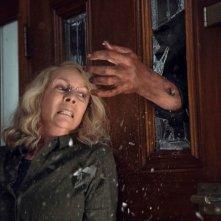 Halloween: Jamie Lee Curtis in una scena concitata