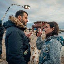 Il vizio della speranza: Pina Turco e il regista Edoardo De Angelis sul set del film