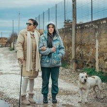 Il vizio della speranza: Pina Turco e Marina Confalone in un'immagine del film