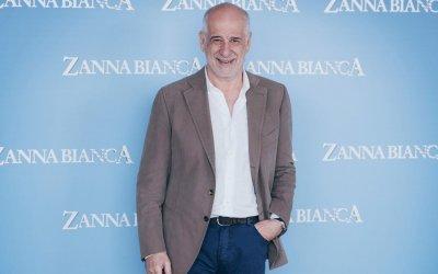 Zanna bianca: l'intervista a Toni Servillo, correre con i lupi per non essere spettatori della vita