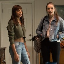 Hell Fest: Reign Edwards e Amy Forsyth in un momento del film