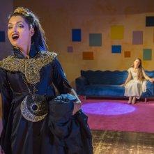 Il Flauto Magico di Piazza Vittorio: Violetta Zironi e Petra Magoni in una scena del film