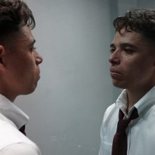 Monsters and Men: Anthony Ramos in una scena del film