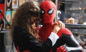 Spider-Man: Far From Home, Tom Holland festeggia la fine delle riprese con una foto acrobatica