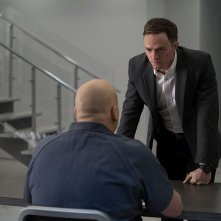 Daredevil: Wilson Bethel e Vincent D'Onofrio nell'episodio Sorprese