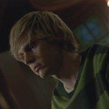 American Horror Story - Apocalypse: Evan Peters in una scena dell'episodio Return to Murder House