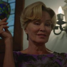 American Horror Story - Apocalypse: Jessica Lange nell'episodio Return to Murder House