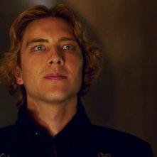 American Horror Story - Apocalypse: Cody Fern in una scena dell'episodio Return to Murder House