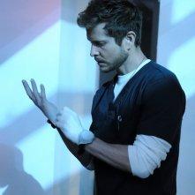 The Resident: Matt Czuchry in una foto della seconda stagione