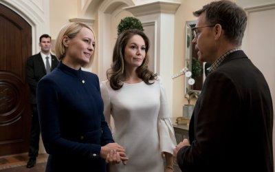 Recensione House of Cards 6: il turno di Claire nella première della stagione