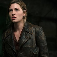 Overlord: Mathilde Ollivier in un momento del film