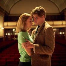 Chesil Beach - Il segreto di una notte: Saoirse Ronan e Billy Howle in una scena del film