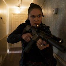 Red Zone - 22 miglia di fuoco: Ronda Rousey in una scena del film