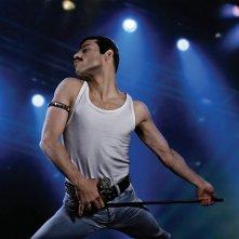 Bohemian Rhapsody: Rami Malek in un'immagine del film