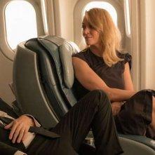 Tim Roth e Uma Thurman in una scena di The Brits are coming